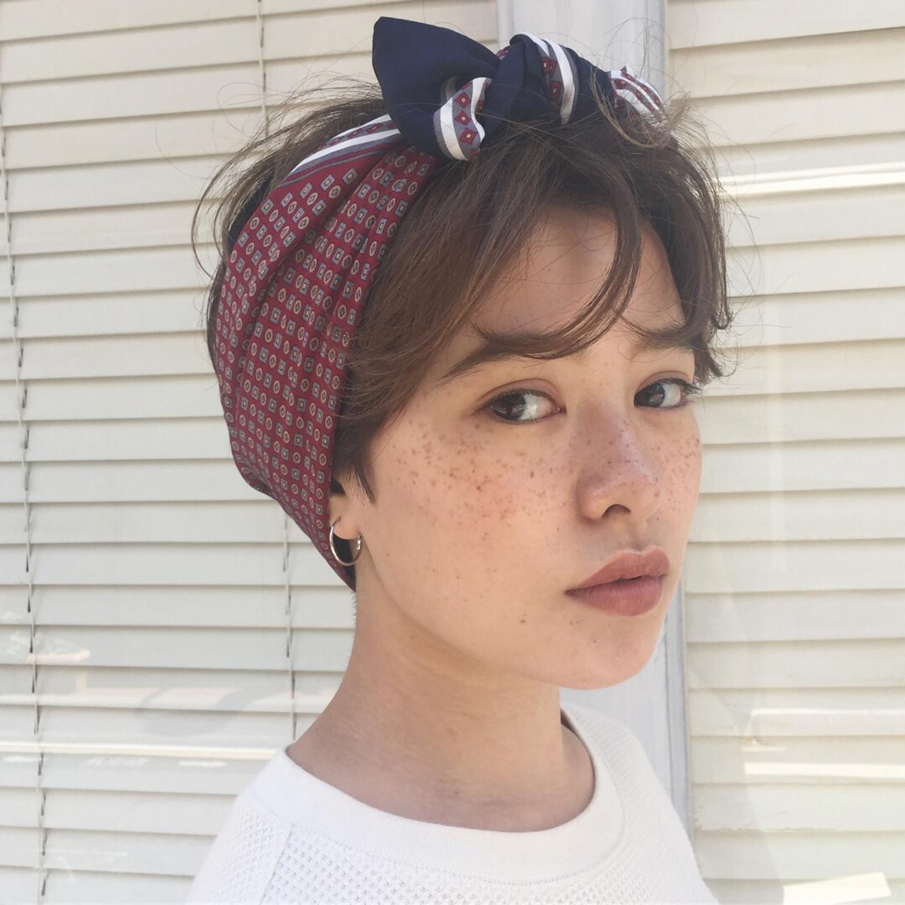 外国人風フェミニン ショート 簡単ヘアアレンジ デート ヘアスタイルや髪型の写真・画像