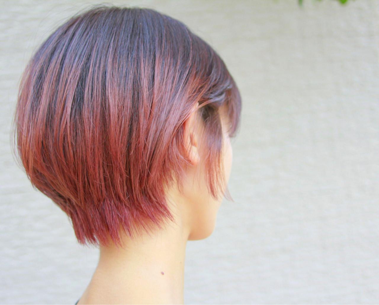 レッドとピンクの組み合わせで個性的に 山田大貴 / throbthrob by reve