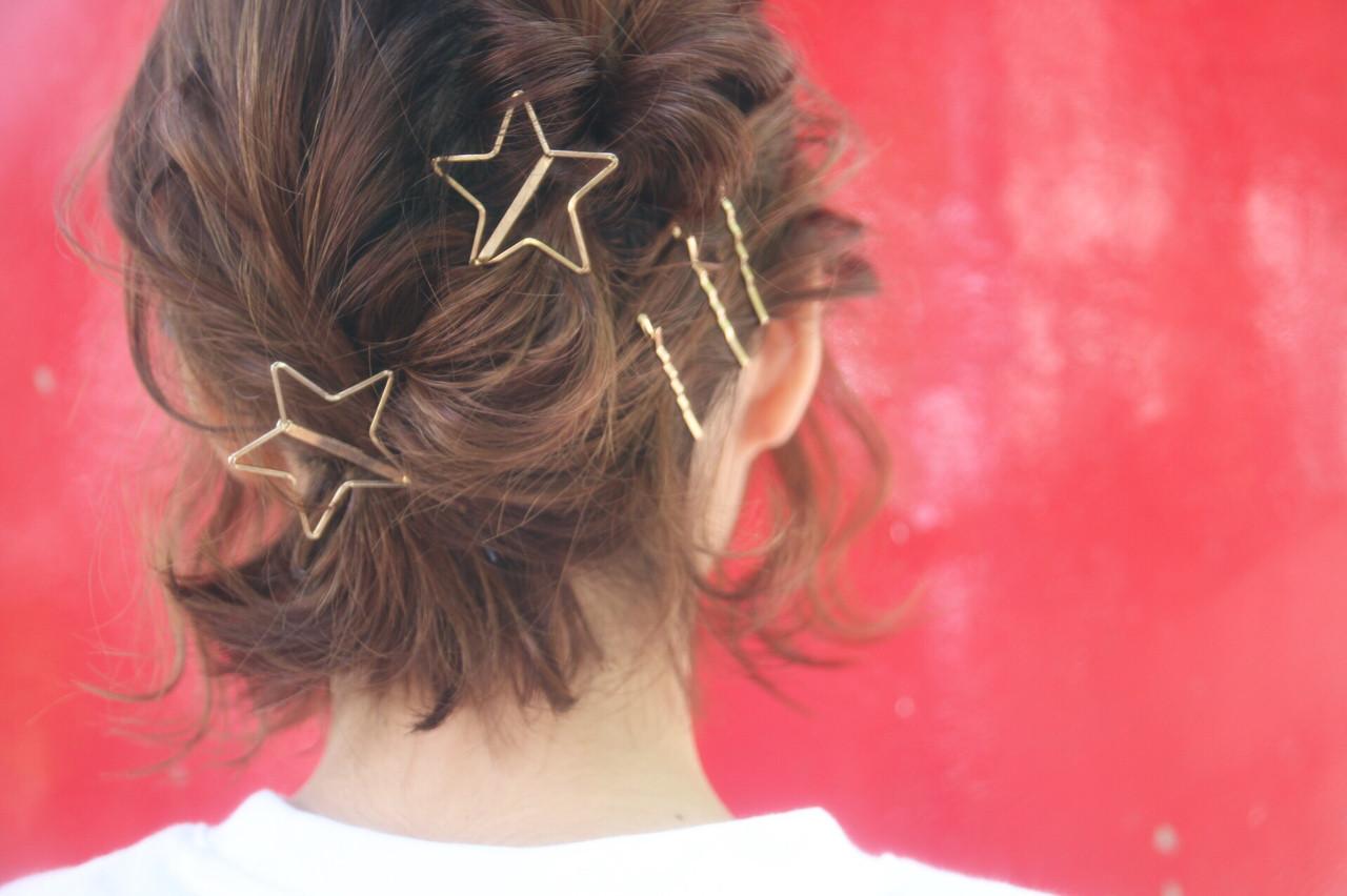 ショート 伸ばしかけ ショートボブ アウトドア ヘアスタイルや髪型の写真・画像