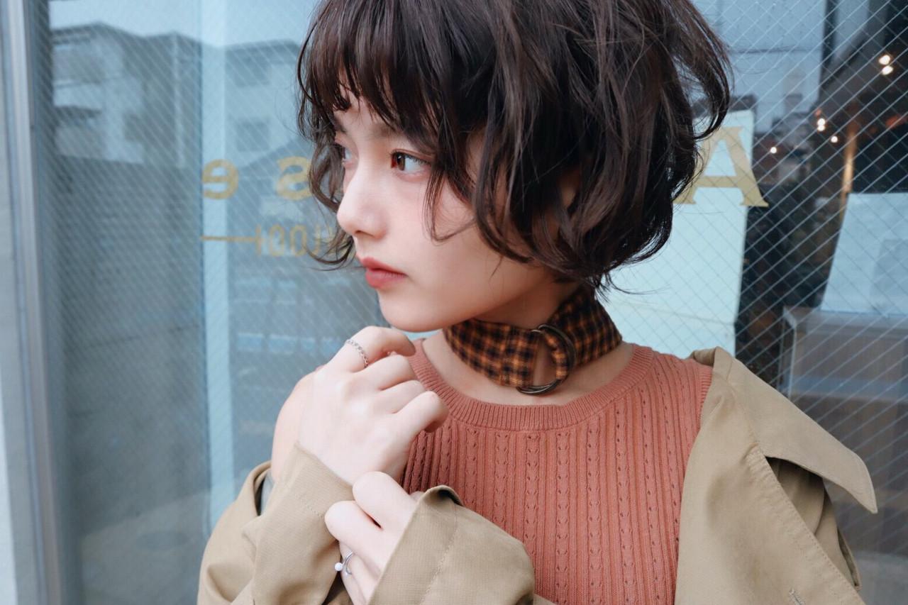モード デート パーマ ショート ヘアスタイルや髪型の写真・画像