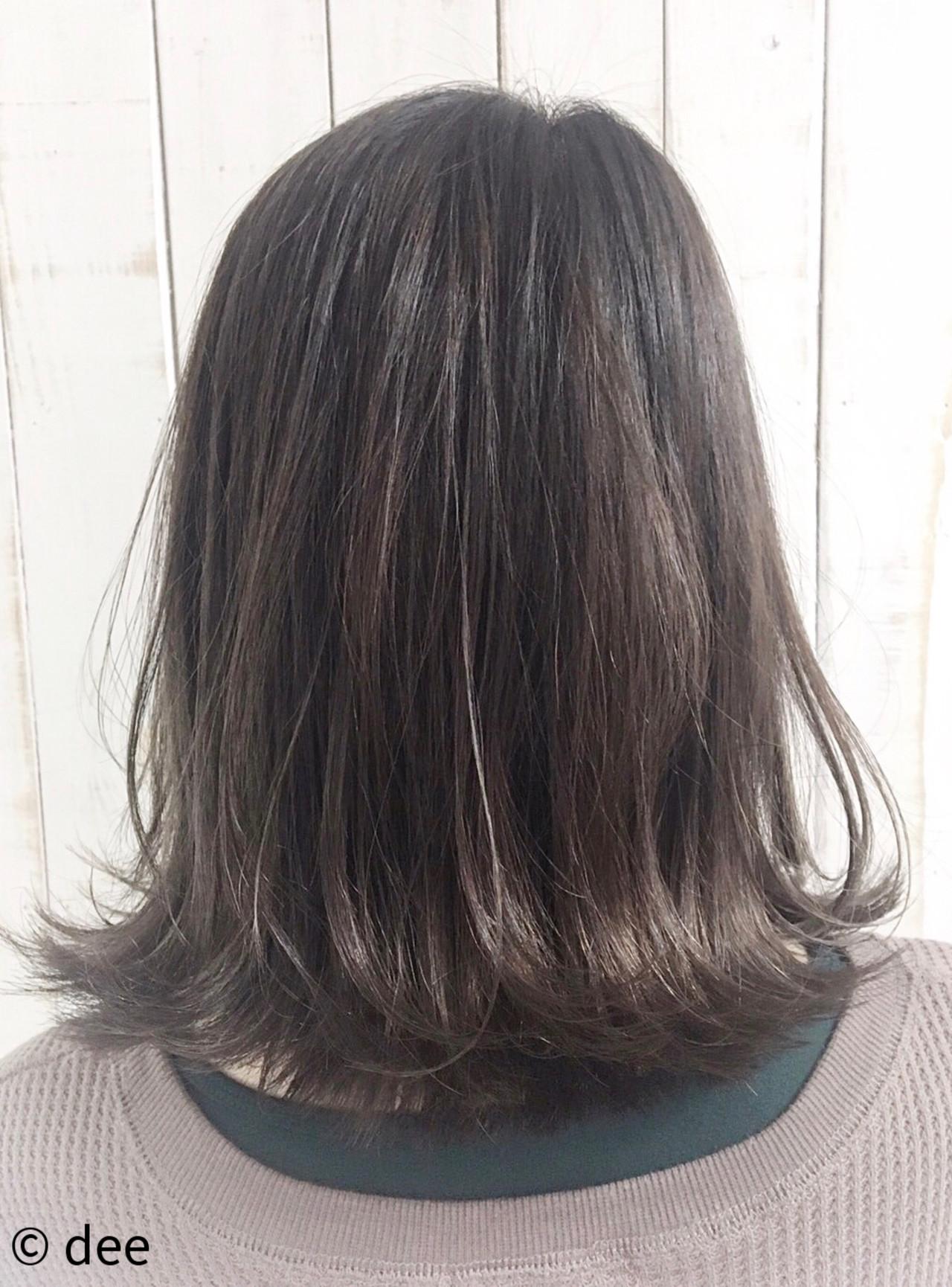 ラベンダーアッシュ ミディアム ラベンダーグレージュ 外ハネボブ ヘアスタイルや髪型の写真・画像