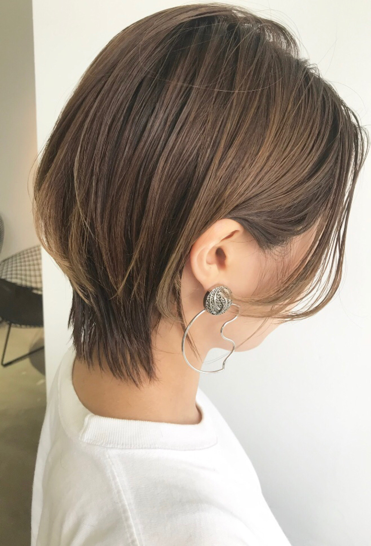 ショートボブ レイヤーヘアー レイヤーカット 大人ミディアム ヘアスタイルや髪型の写真・画像