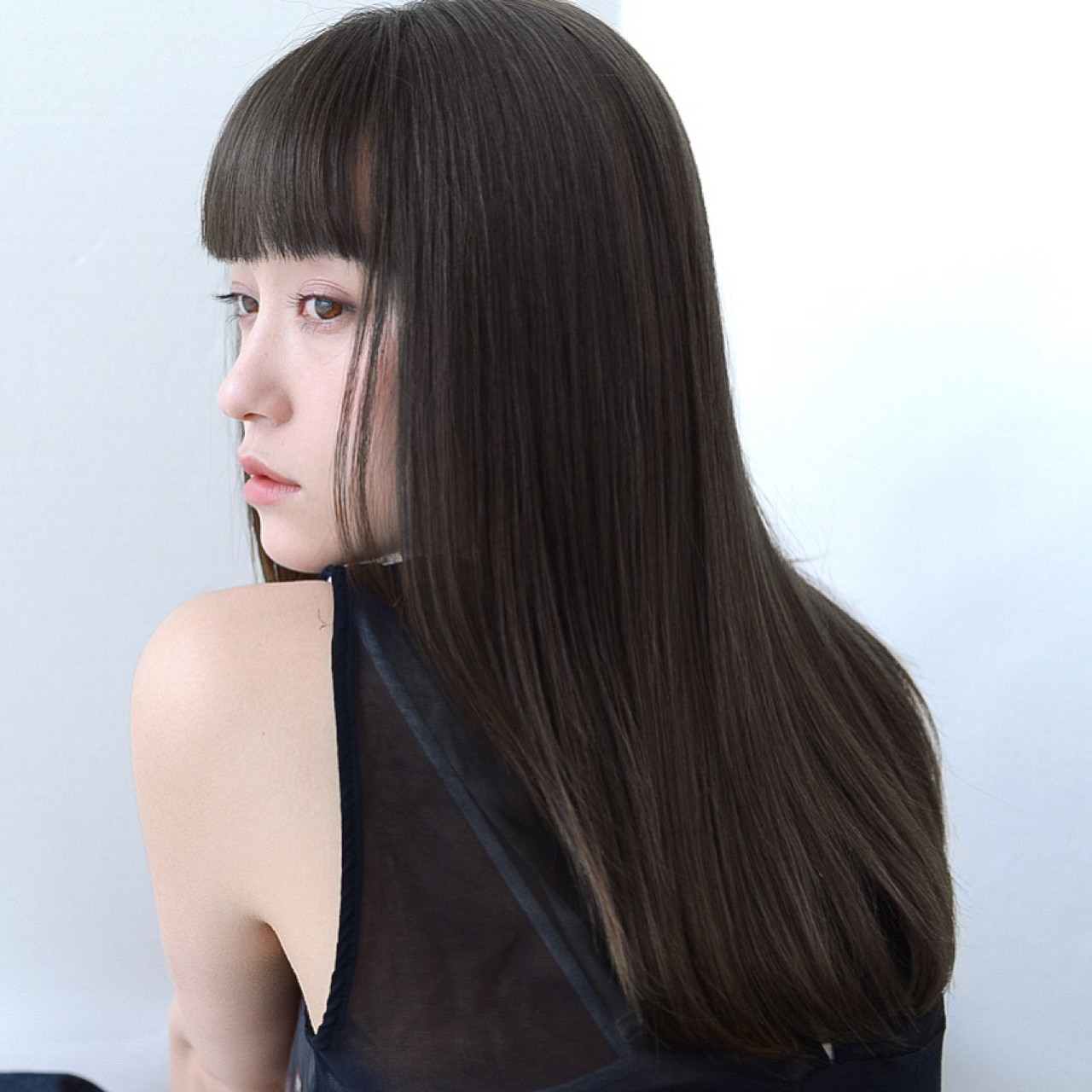 抜け感 グレージュ ナチュラル セミロング ヘアスタイルや髪型の写真・画像