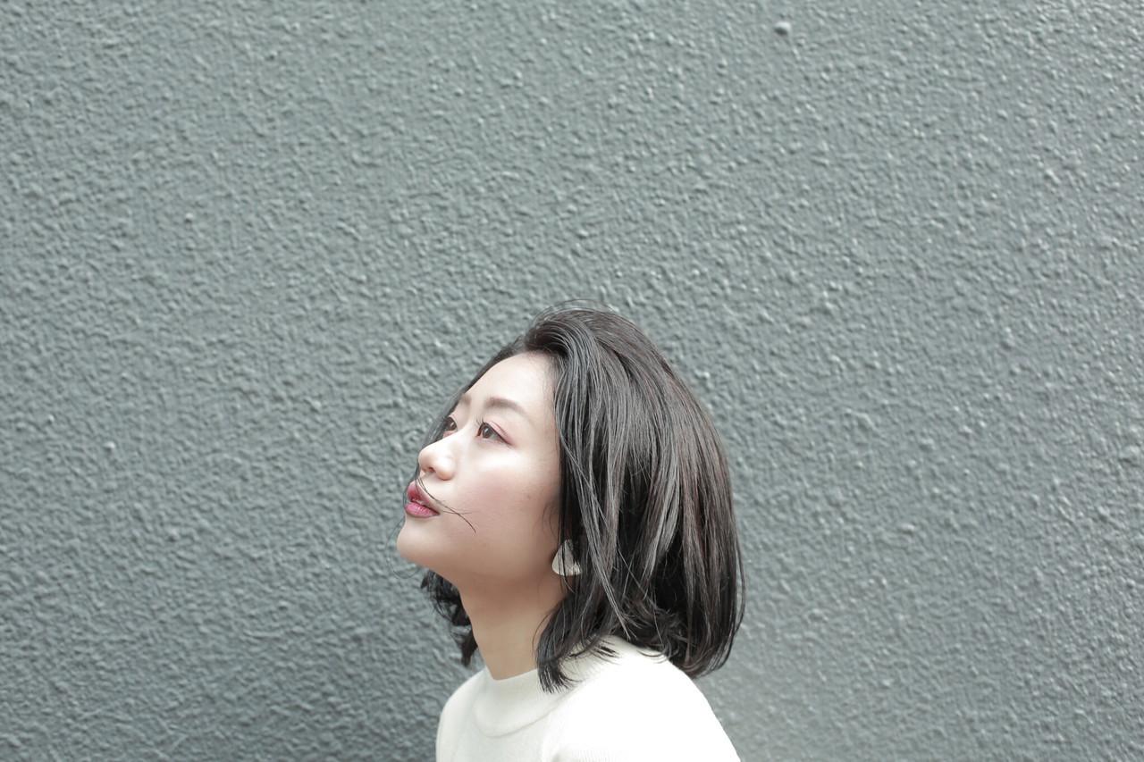 黒髪 ボブ アッシュ センターパート ヘアスタイルや髪型の写真・画像