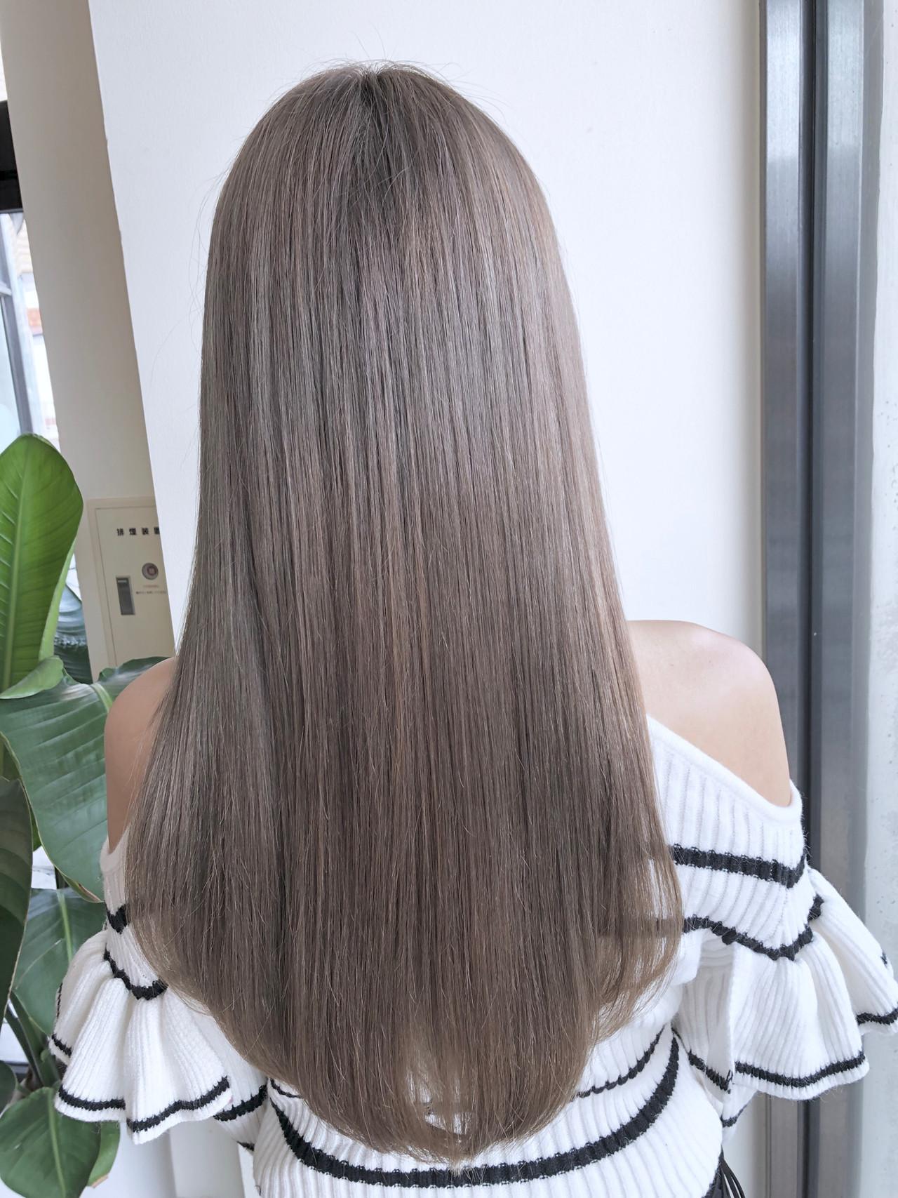ヘアカラー ミルクティーベージュ ヘアアレンジ ブリーチ ヘアスタイルや髪型の写真・画像