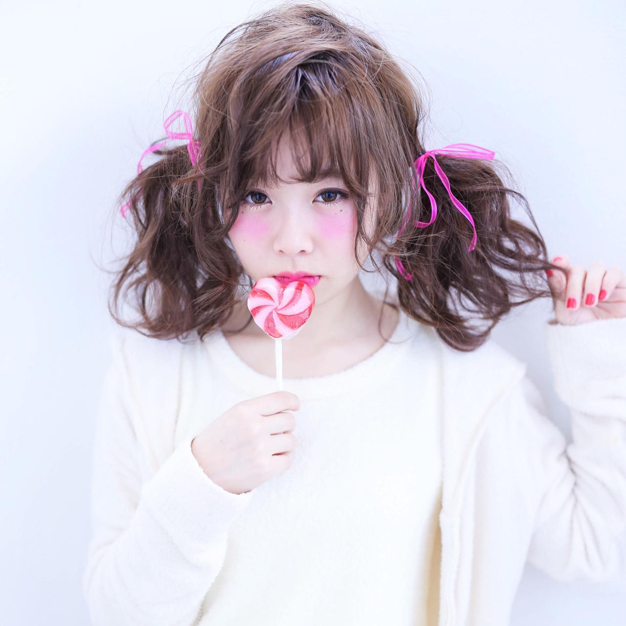 ツインテール ミディアム ヘアアレンジ フェミニン ヘアスタイルや髪型の写真・画像