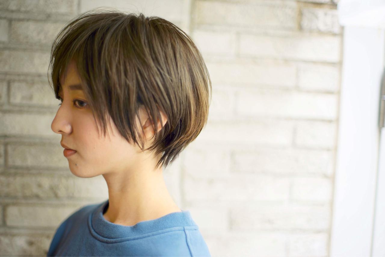ナチュラル ショートボブ アッシュブラウン ショート ヘアスタイルや髪型の写真・画像
