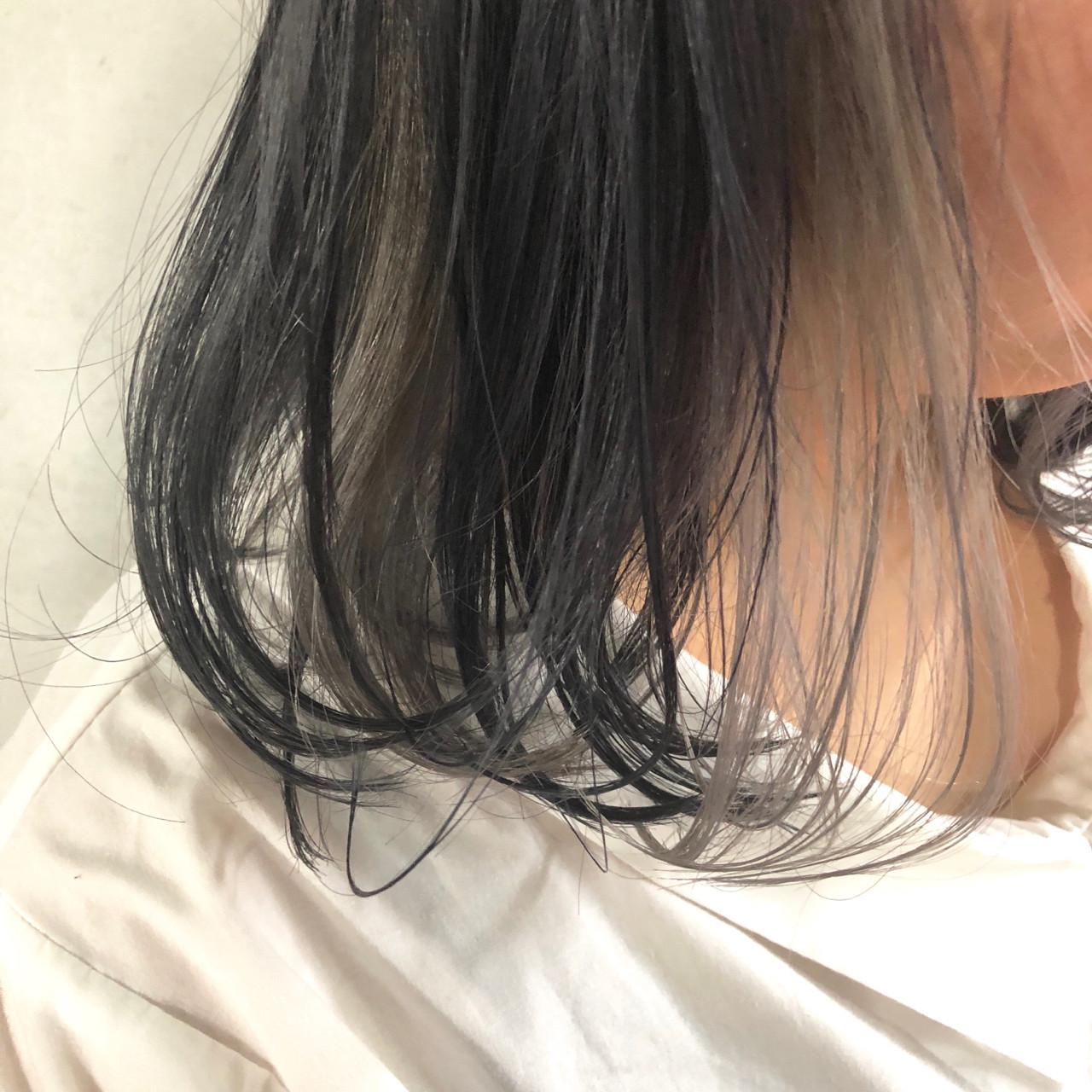 ナチュラル インナーカラー グレージュ アッシュグレー ヘアスタイルや髪型の写真・画像