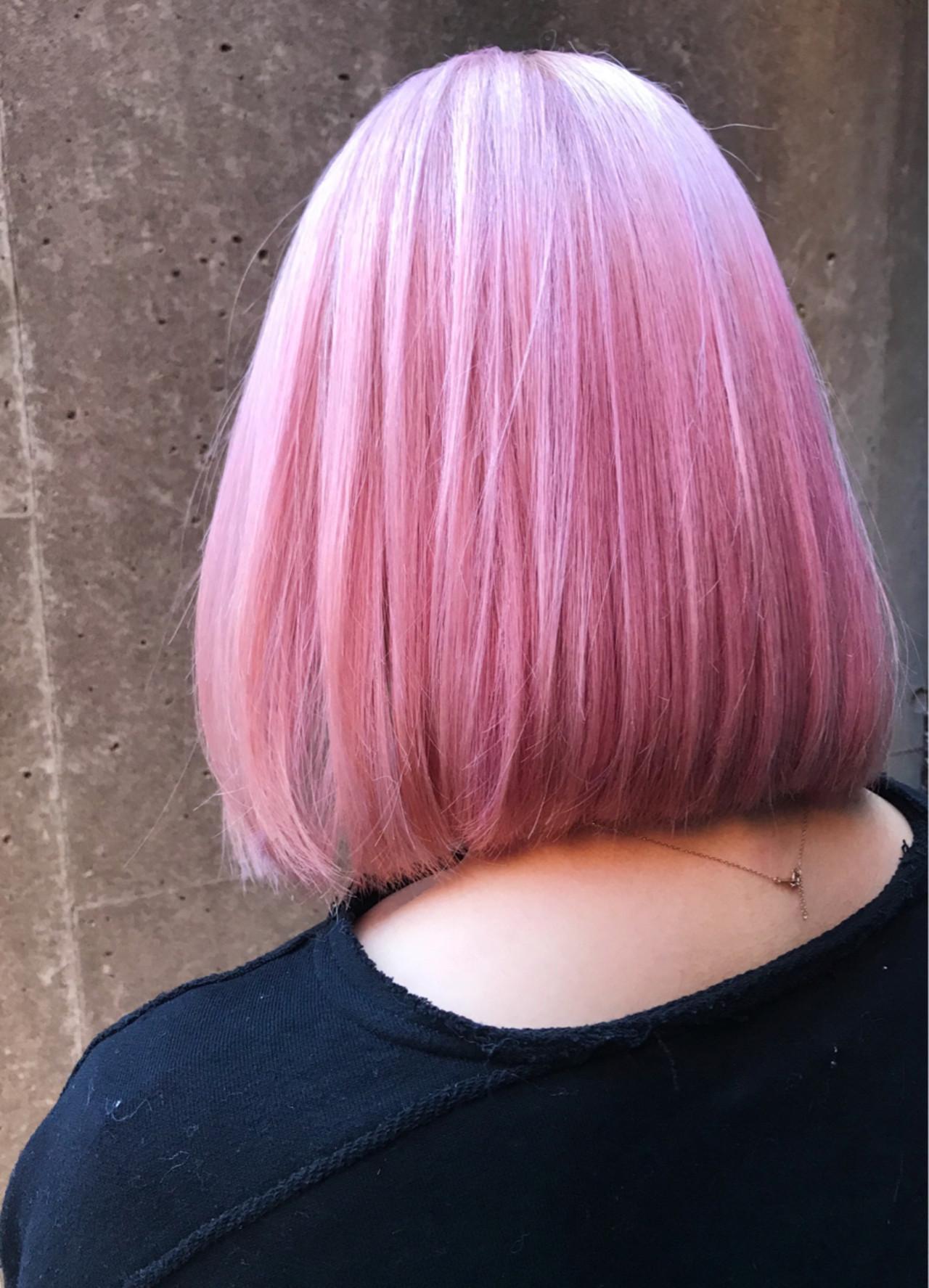 ガーリー ピンク ボブ ブリーチ ヘアスタイルや髪型の写真・画像