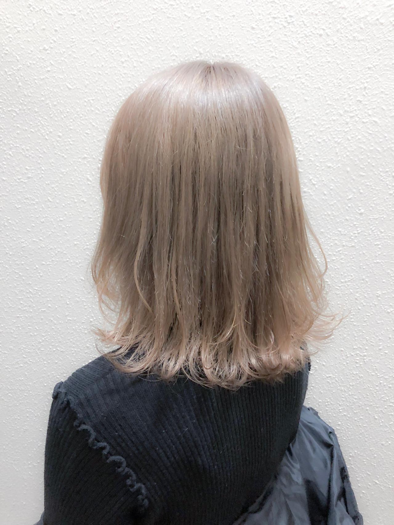 ブリーチベースの透明感ミルクティーアッシュヘア Asuka Nagae