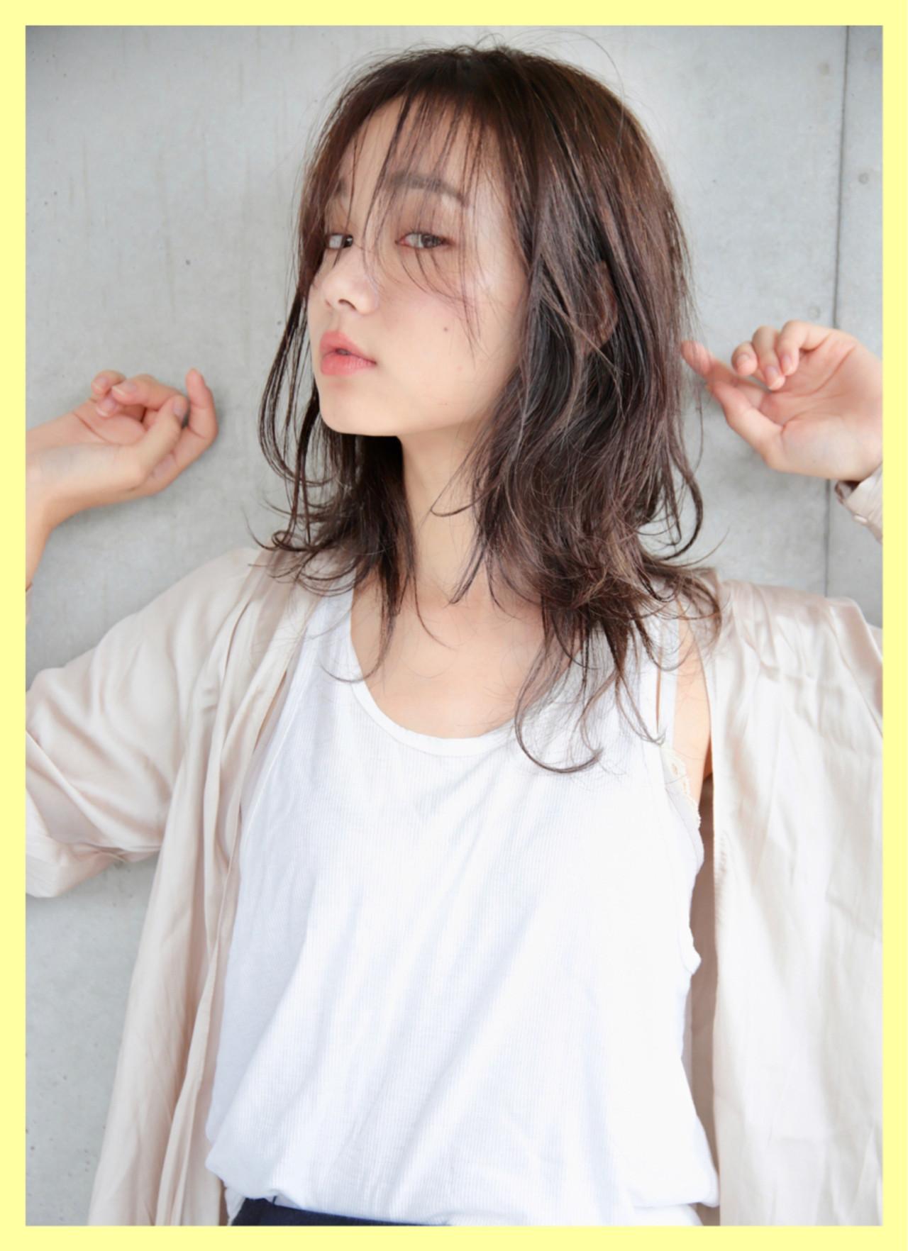 女子力抜群セミロングの伸ばしかけ前髪アレンジ SHIGERU/BABY上野BABY