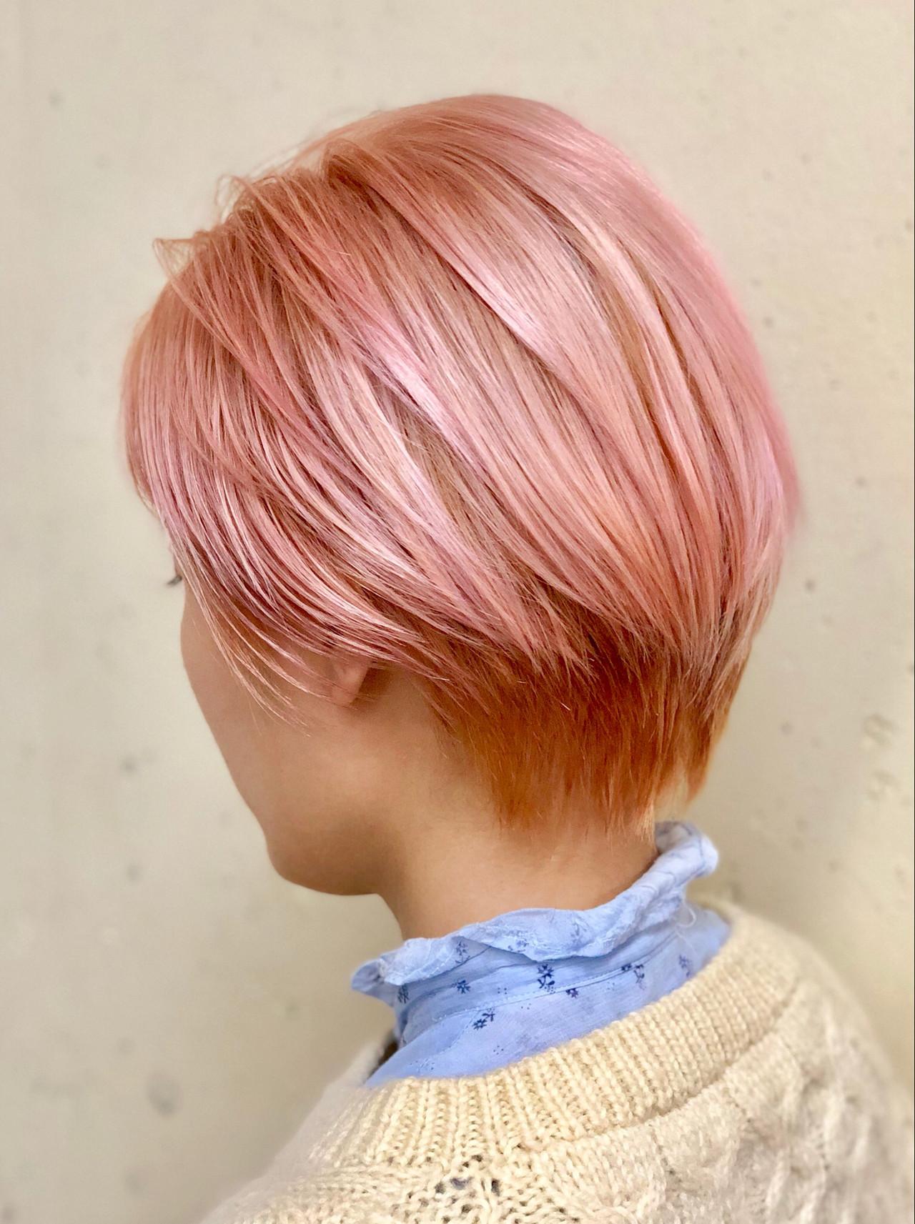 ナチュラル ピンクアッシュ バレイヤージュ ショート ヘアスタイルや髪型の写真・画像