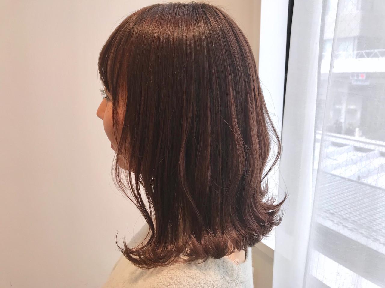 透明感カラー ピンクベージュ アンニュイほつれヘア ナチュラル ヘアスタイルや髪型の写真・画像