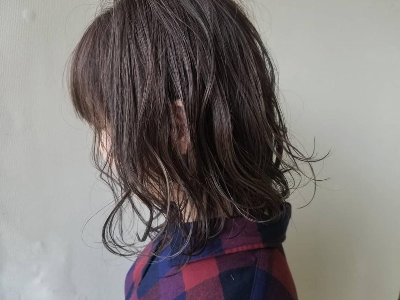 ハイライト 透明感カラー ナチュラル ミルクティーグレー ヘアスタイルや髪型の写真・画像