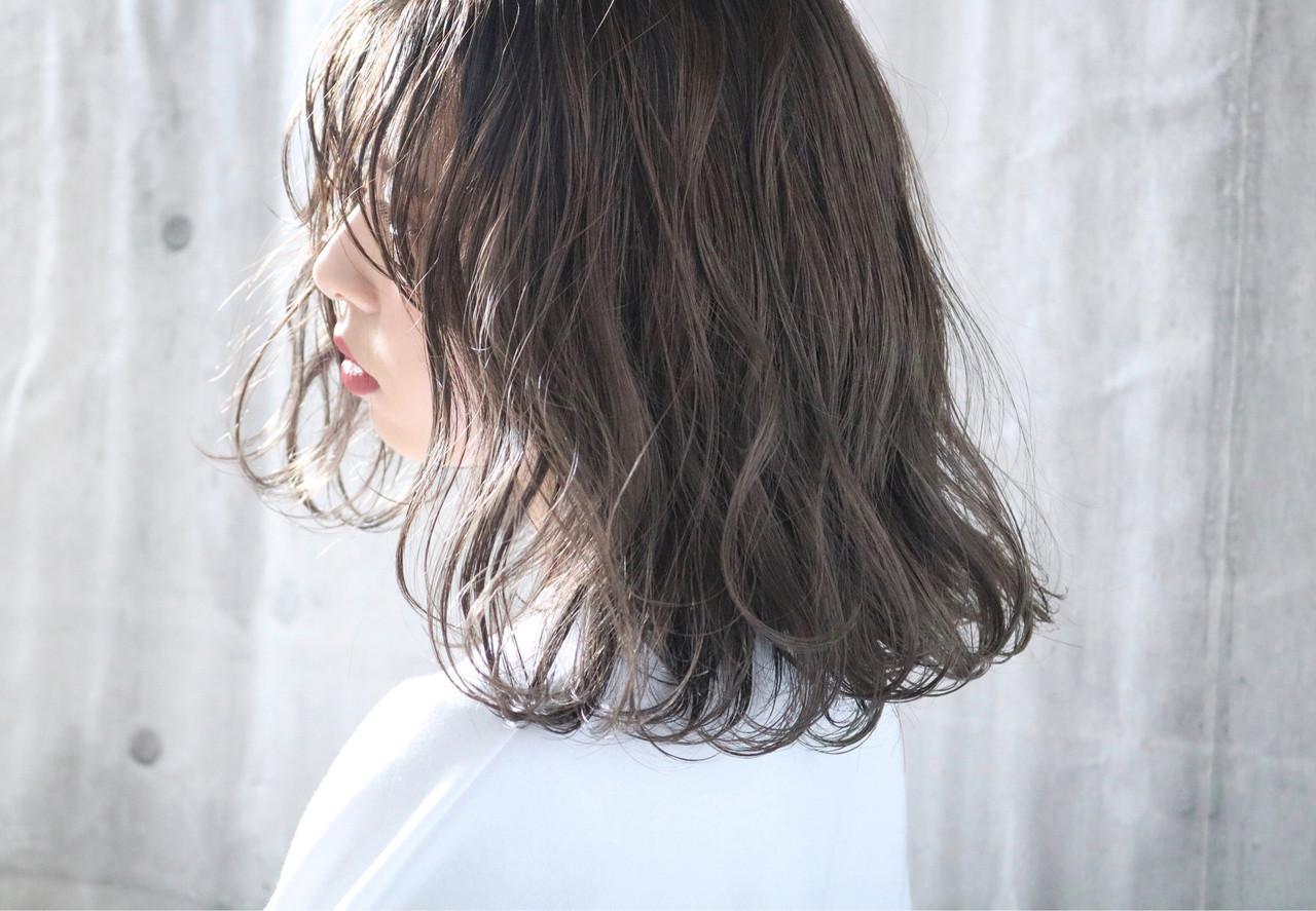 外国人風カラー パーマ ナチュラル 簡単ヘアアレンジ ヘアスタイルや髪型の写真・画像
