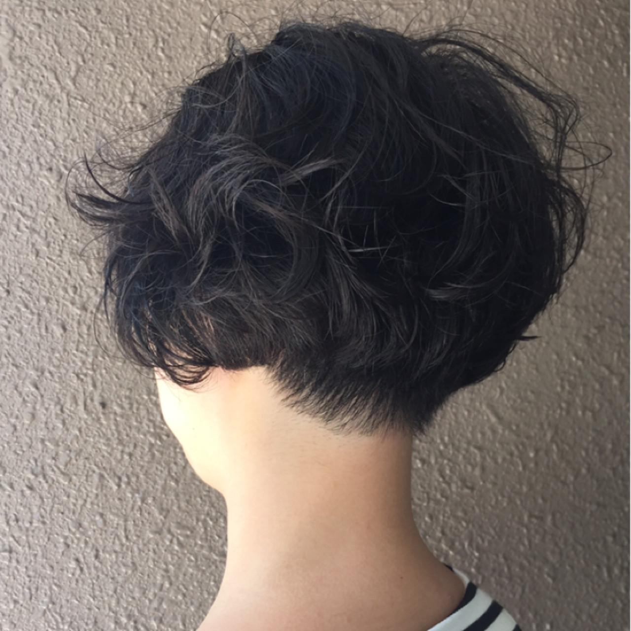 くせ毛刈り上げボブでふんわりと♡ 岩城 浩子