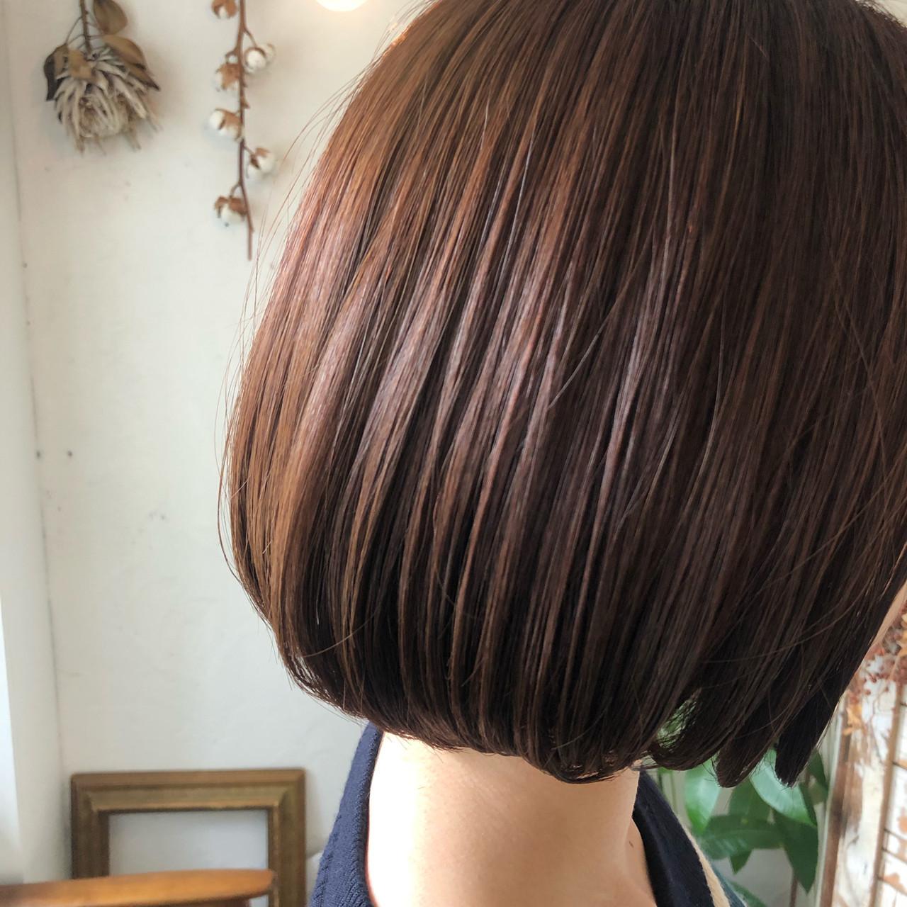 コーラルピンク 透明感カラー オフィス ストリート ヘアスタイルや髪型の写真・画像