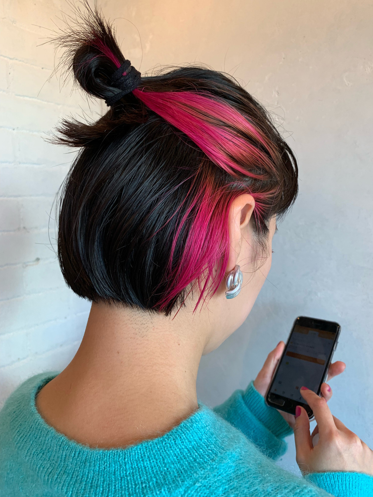 インナーカラー 切りっぱなし ボブ 簡単ヘアアレンジ ヘアスタイルや髪型の写真・画像