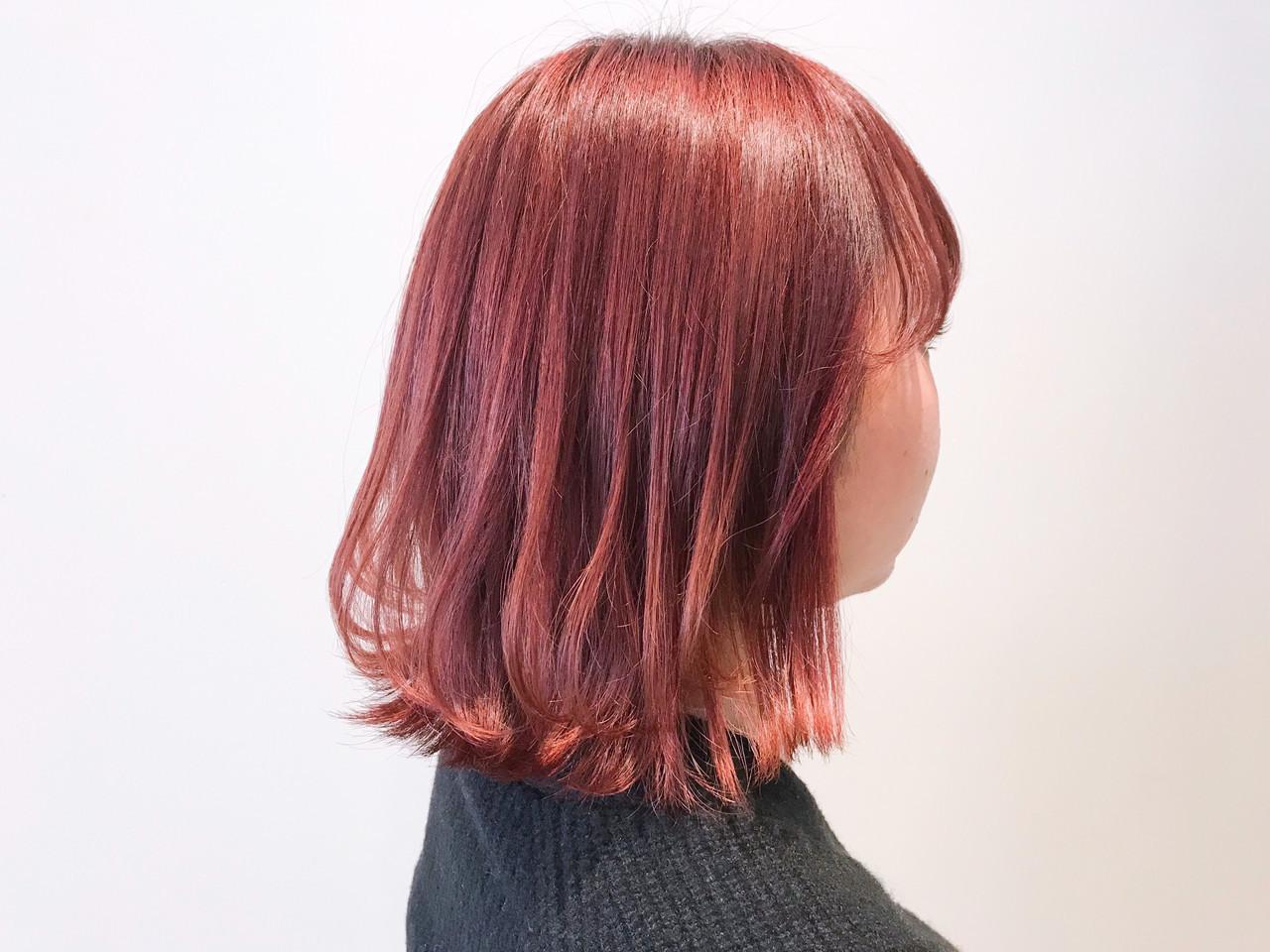 透明感カラー チェリーレッド レッドカラー ボブ ヘアスタイルや髪型の写真・画像