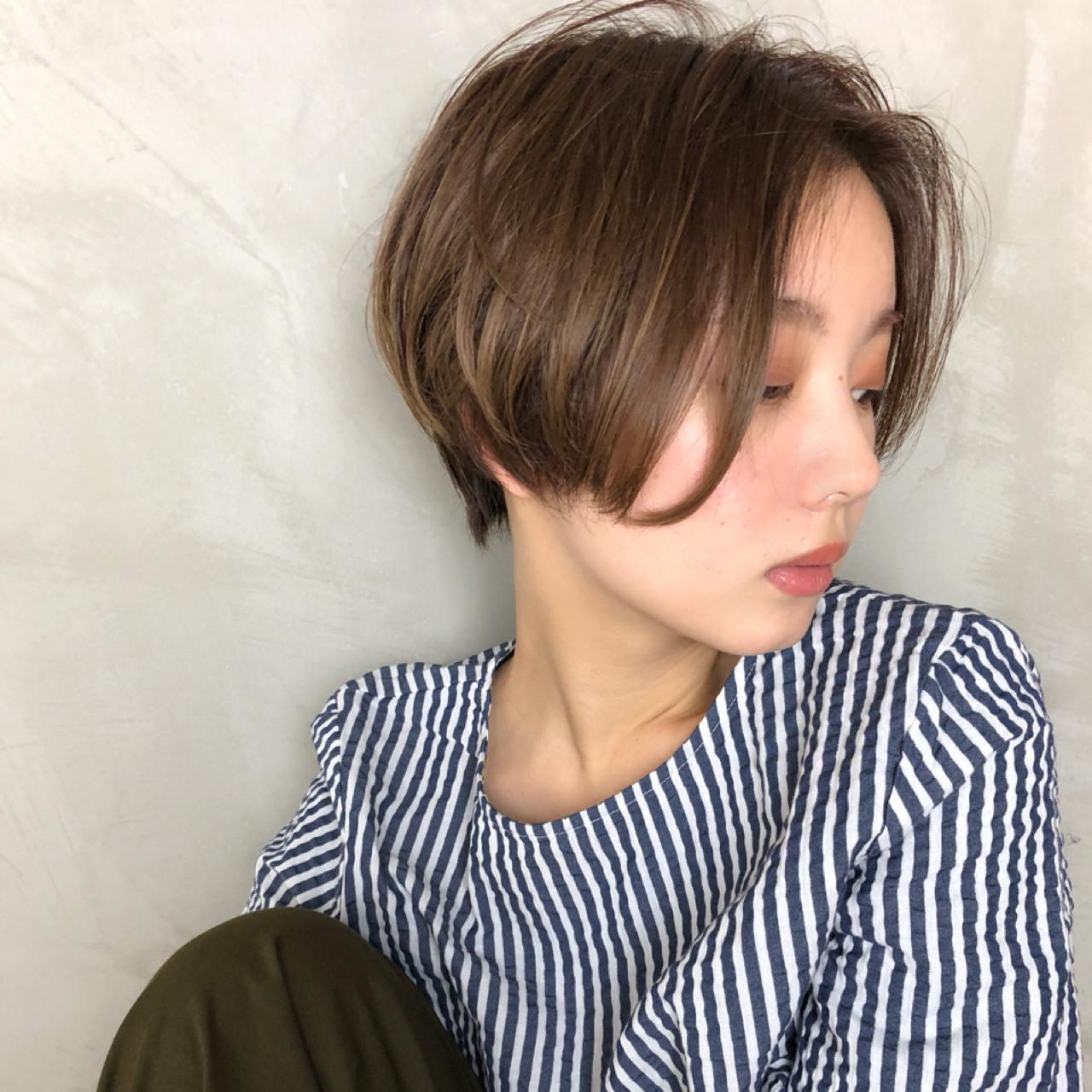 色気 ショート センターパート ナチュラル ヘアスタイルや髪型の写真・画像