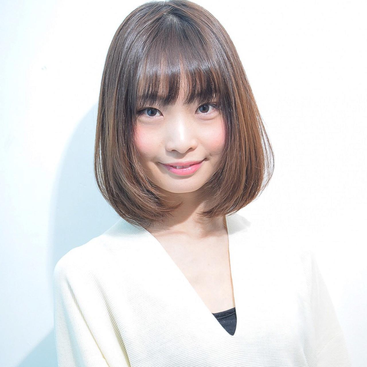 丸顔さん似合わせのシンプル前髪ありボブ 川島佑一