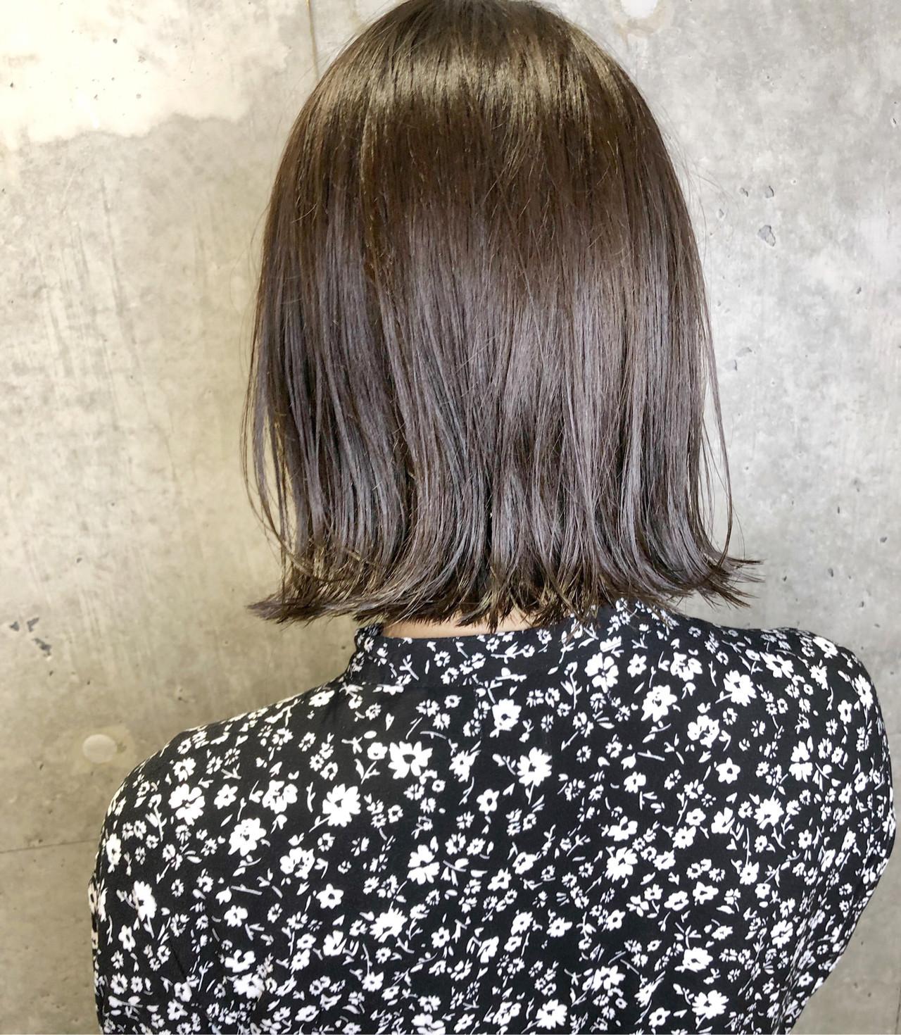 スポーツ アディクシーカラー グレージュ ナチュラル ヘアスタイルや髪型の写真・画像