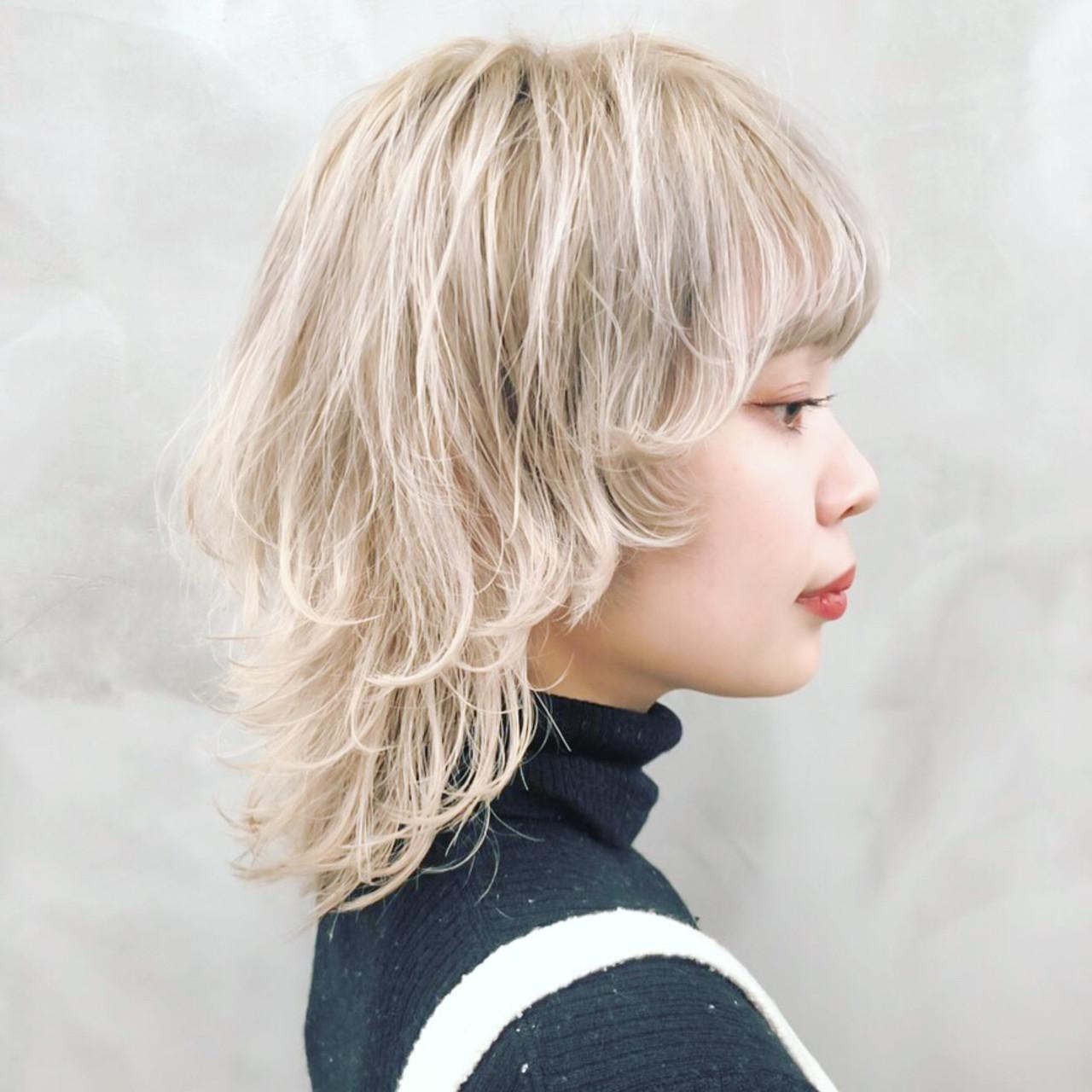 ミディアム ストリート ウルフカット イルミナカラー ヘアスタイルや髪型の写真・画像