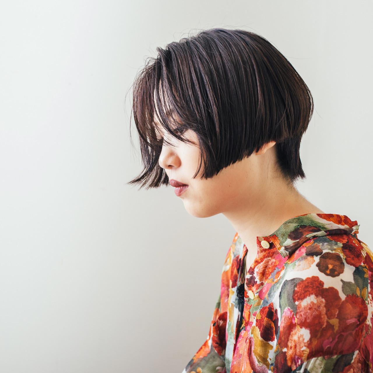 ミニボブ ショート 切りっぱなしボブ モード ヘアスタイルや髪型の写真・画像