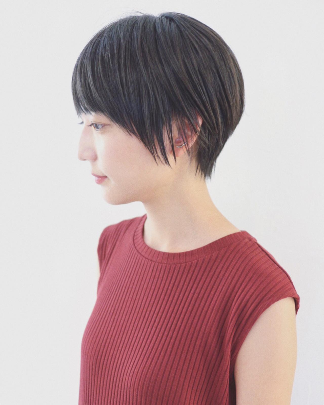 ナチュラル 黒髪 ストレート ショート ヘアスタイルや髪型の写真・画像