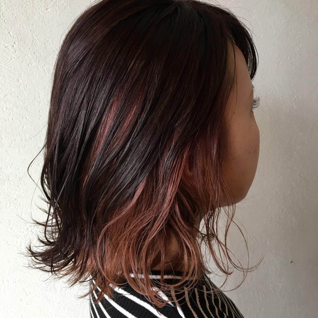 ピンクアッシユのインナーカラーでモテ髪に♡ 岡本 光太