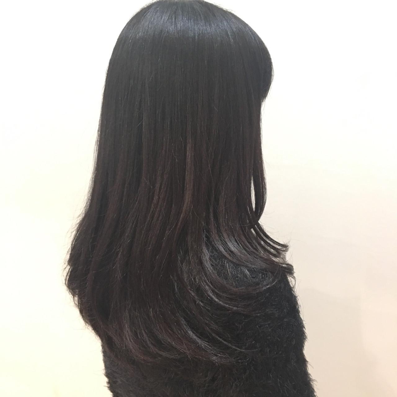 黒髪ベースで暗めでも美しい仕上がりに short yoshioka