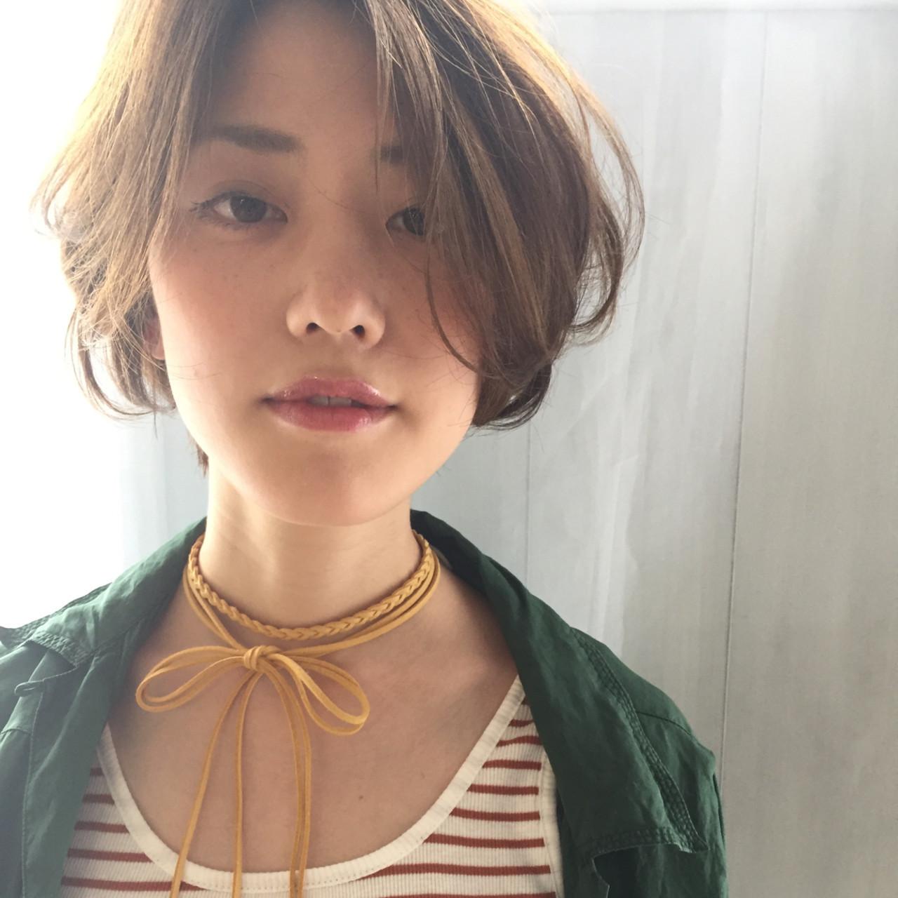 ナチュラルベージュ 前髪アレンジ ヌーディーベージュ 前髪 ヘアスタイルや髪型の写真・画像