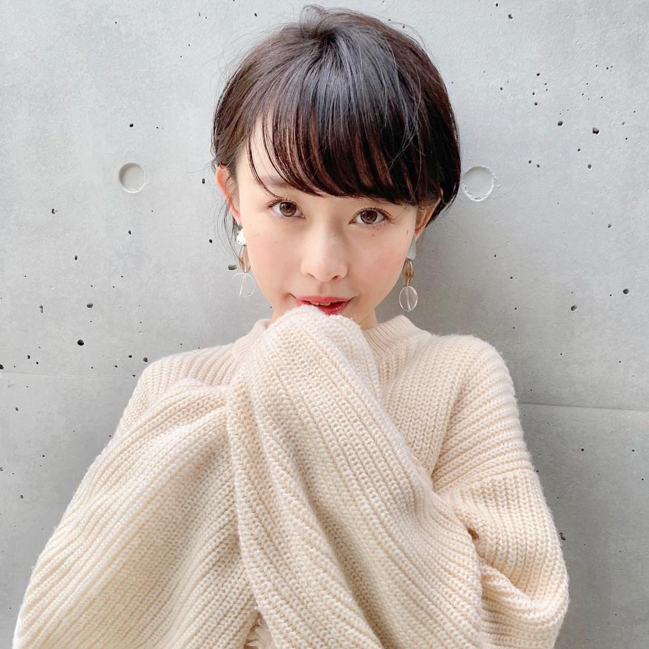 アンニュイほつれヘア ナチュラル 簡単ヘアアレンジ デート ヘアスタイルや髪型の写真・画像