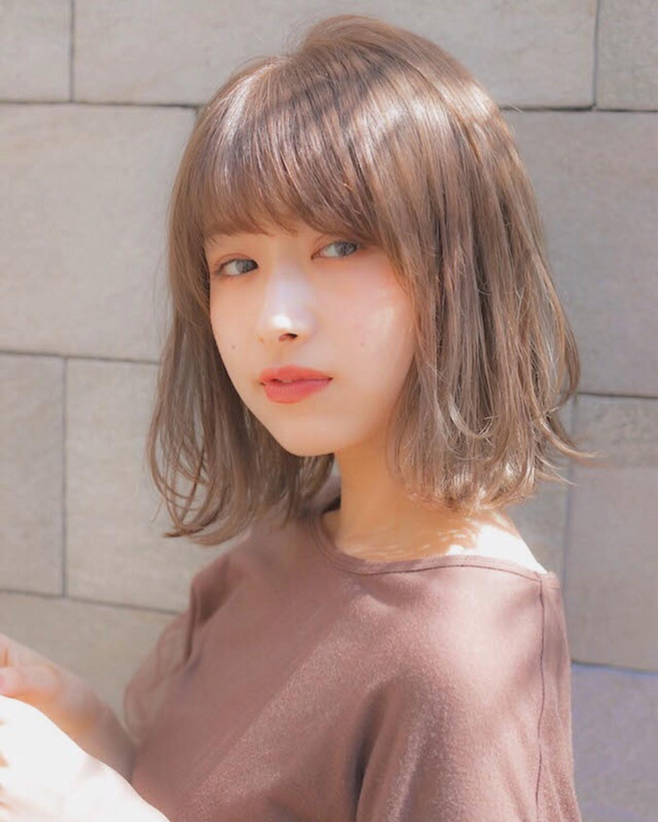 パーマ フェミニン 前髪 グレージュ ヘアスタイルや髪型の写真・画像