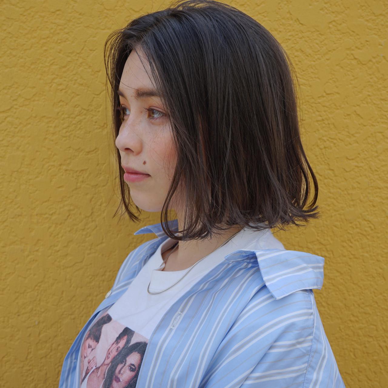 前下がり 外ハネ ナチュラル ロブ ヘアスタイルや髪型の写真・画像