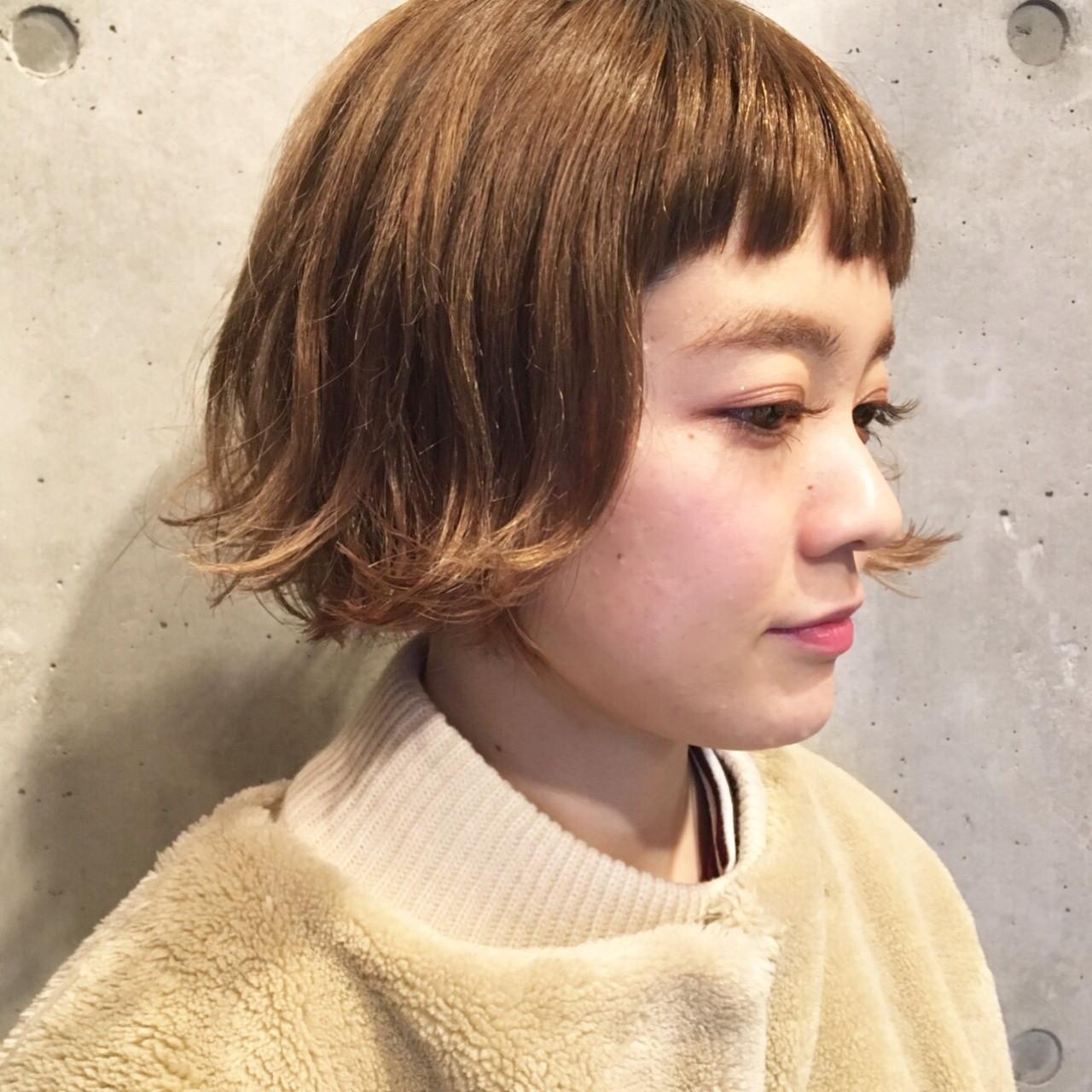 毛先外ハネの旬のパッツン前髪ボブヘア 柳絵美子