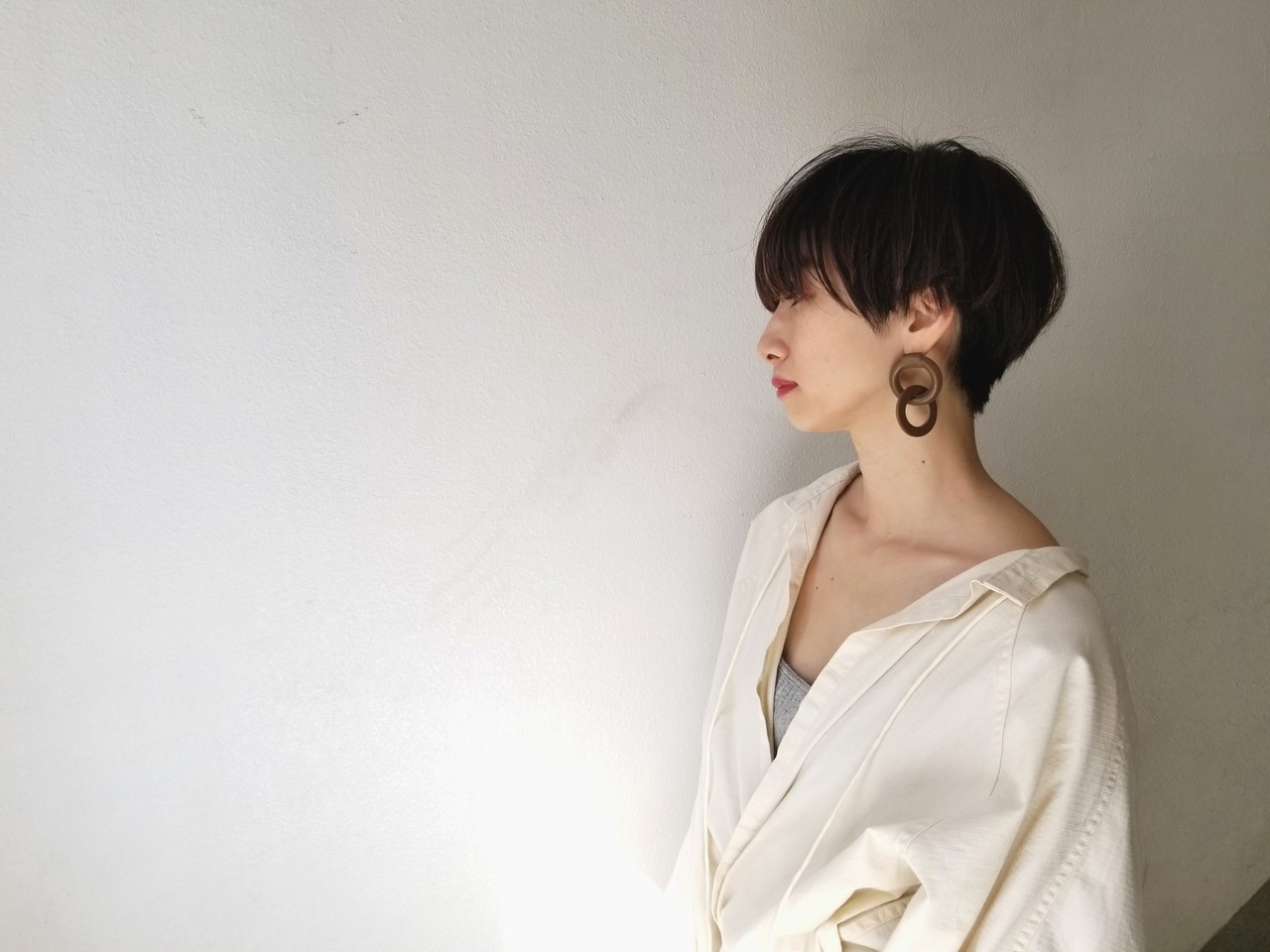 厚め前髪でつくる大人女子のふんわりショートヘア 川田 義人 GREEK hairdesign