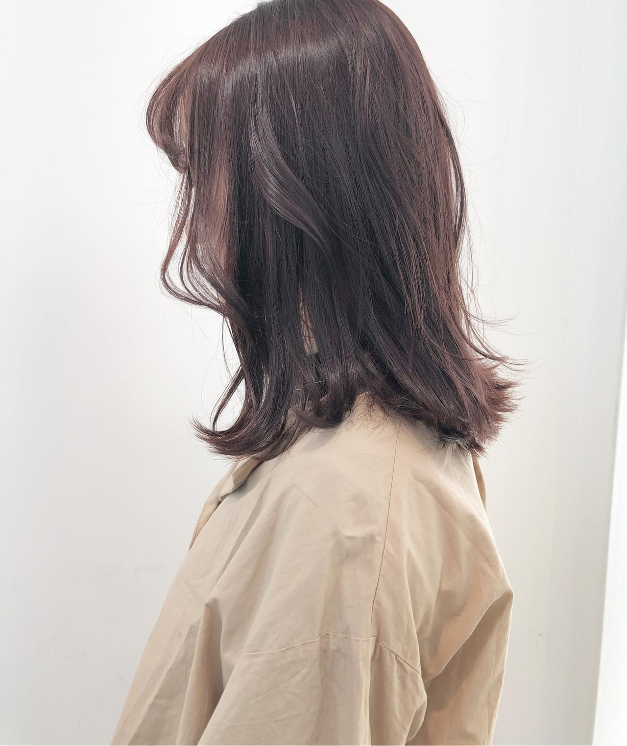 ピンクグレージュ 切りっぱなしボブ アンニュイほつれヘア ラベンダーピンク ヘアスタイルや髪型の写真・画像