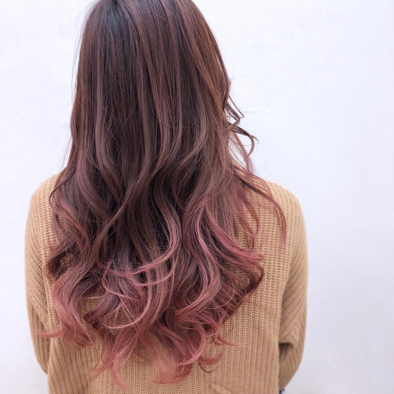 外国人風 グラデーションカラー ナチュラル ピンク ヘアスタイルや髪型の写真・画像