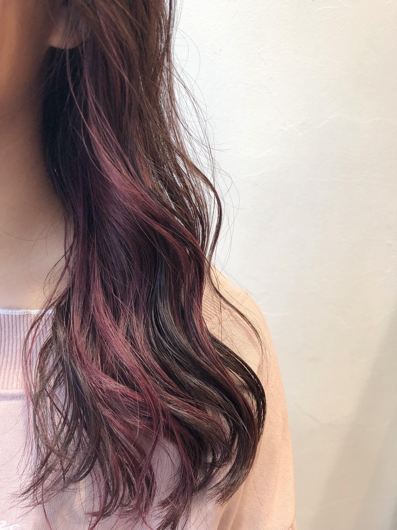 ミディアム インナーカラー ピンク 透け感 ヘアスタイルや髪型の写真・画像