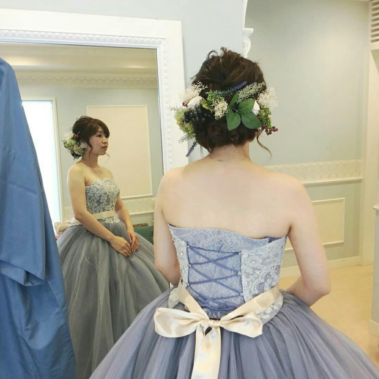 ブルーのカラードレスはすっきり清楚に rumiLINKS美容室