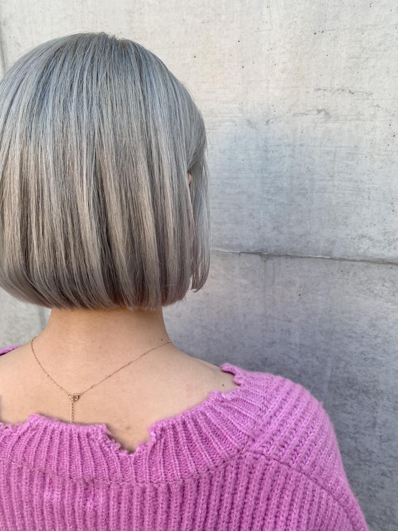 アッシュ ボブ ストリート グレージュ ヘアスタイルや髪型の写真・画像