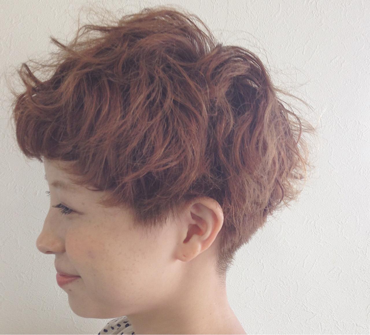 パーマ ガーリー ベリーショート 坊主 ヘアスタイルや髪型の写真・画像
