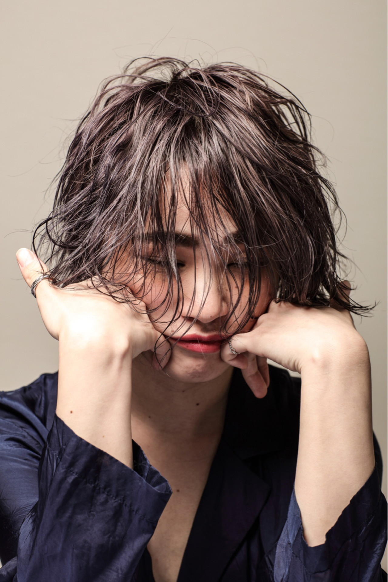 モード 艶髪 抜け感 ウェットヘア ヘアスタイルや髪型の写真・画像