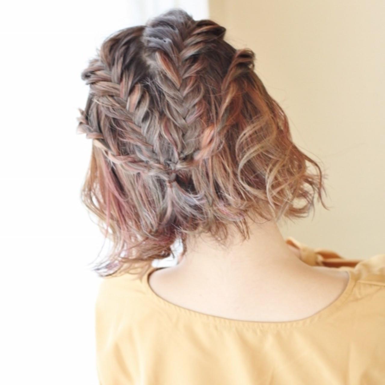 簡単ヘアアレンジ ショート ヘアアレンジ フィッシュボーン ヘアスタイルや髪型の写真・画像