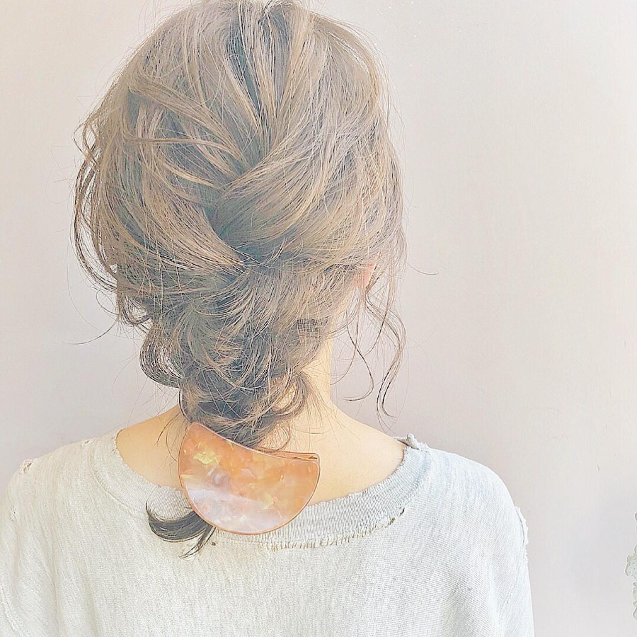 フェミニン ヘアアレンジ 簡単ヘアアレンジ 無造作 ヘアスタイルや髪型の写真・画像