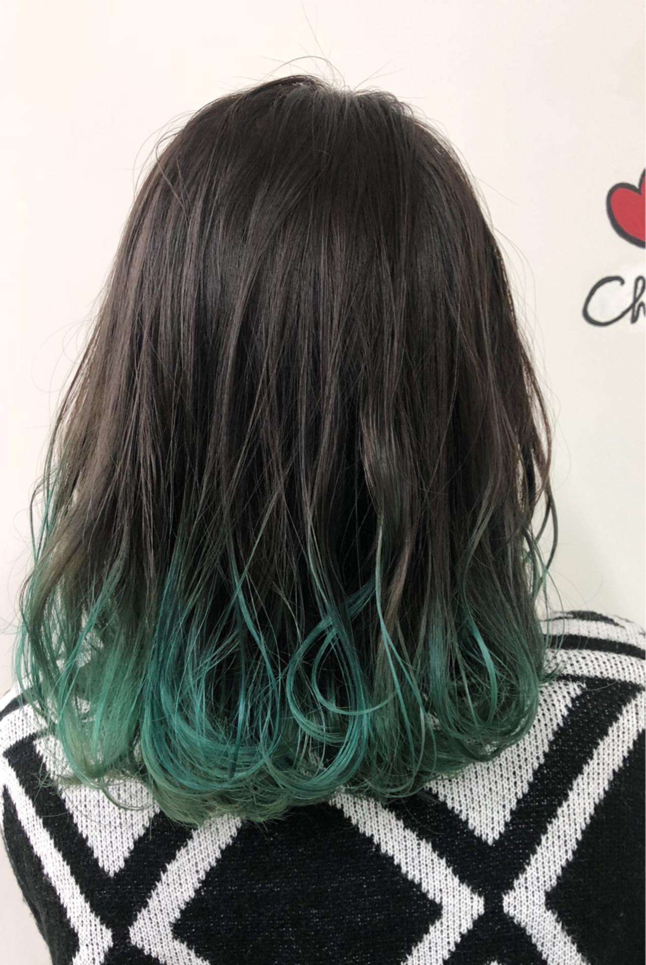 グラデーションカラー 黒髪 ミディアム ストリート ヘアスタイルや髪型の写真・画像