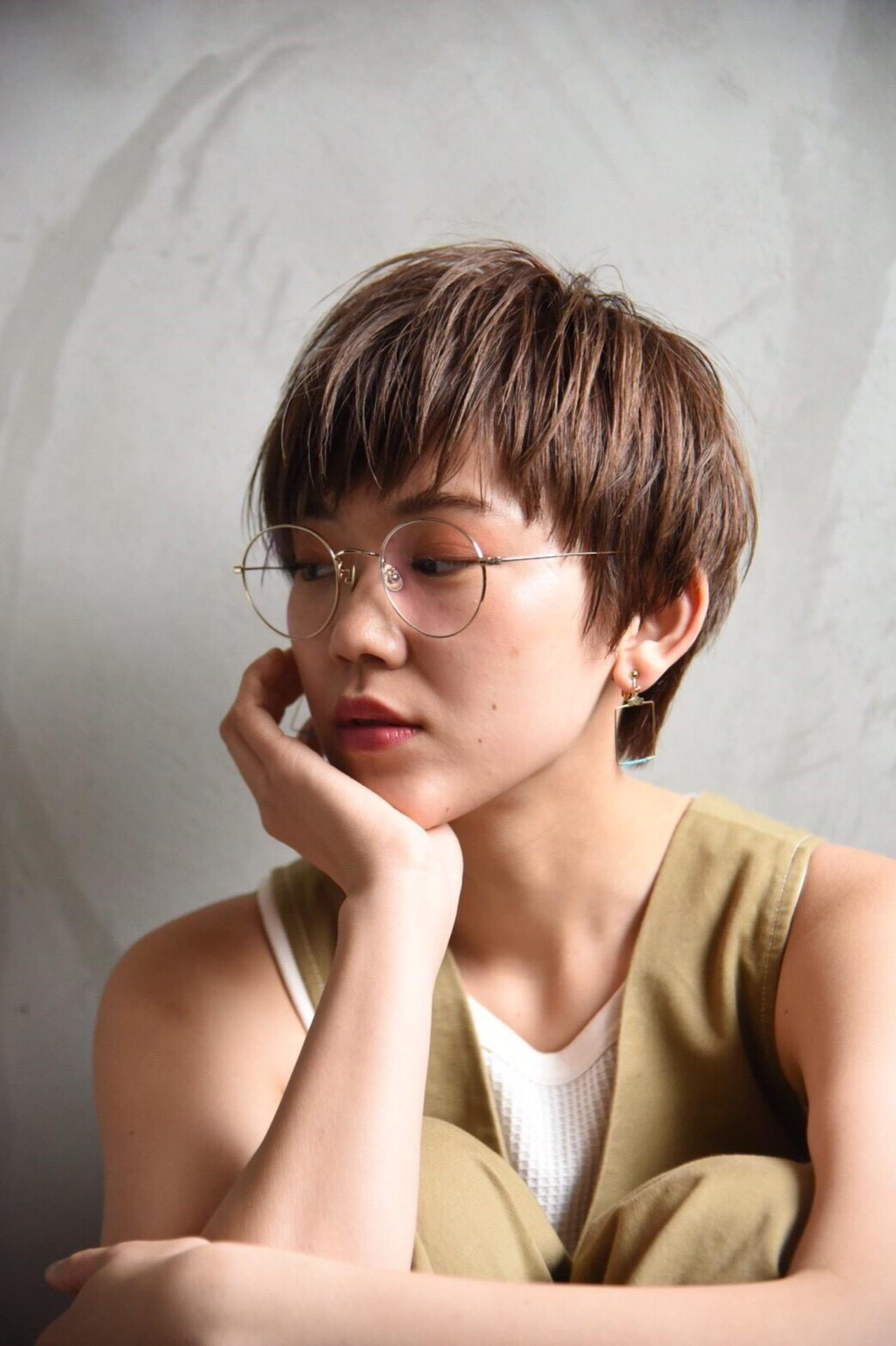 束感バング ベージュ ニュアンスヘア ナチュラル ヘアスタイルや髪型の写真・画像