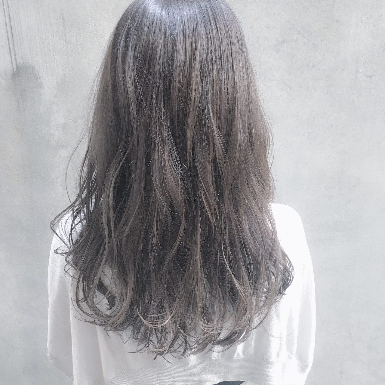 ロング イルミナカラー デート 透明感 ヘアスタイルや髪型の写真・画像