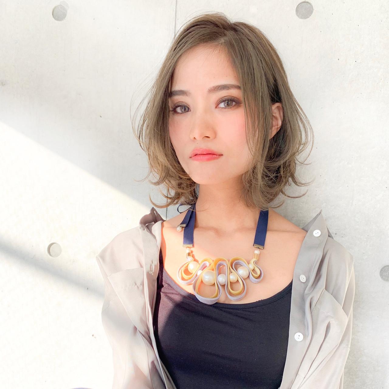ミディアム ヘアアレンジ フェミニン アンニュイほつれヘア ヘアスタイルや髪型の写真・画像